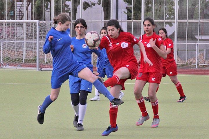 Palästinensisches Mädchenfußball-Team aus Talitha Kumi spielte in Berlin
