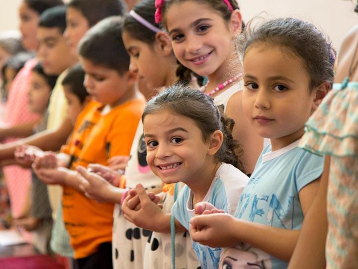 Kinder im Gottesdienst: Evangelische Gemeinden in Palästina