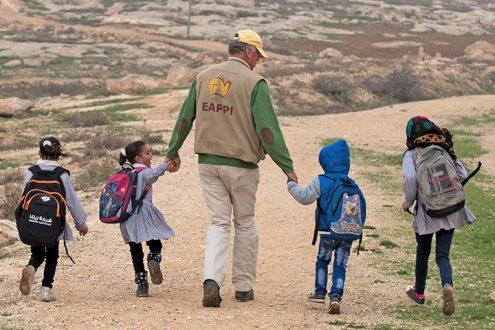 eappi--South-Hebron-Hills--Susiya-EA-accompanies-children-to-school-Photo-EAPPI_B-G--Saltnes