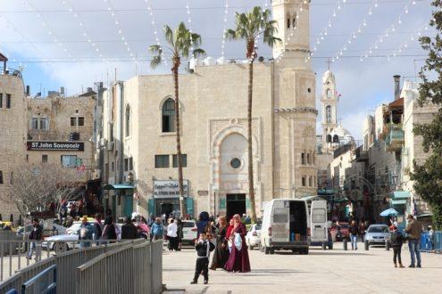 Stadtansicht Bethlehem mit Moschee und Kirche